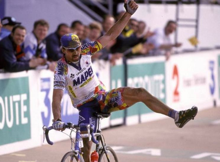 Museeuw win Paris-Roubaix 2000